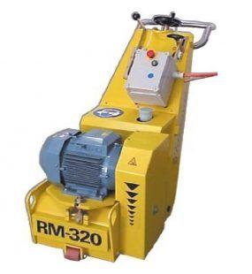 RM320